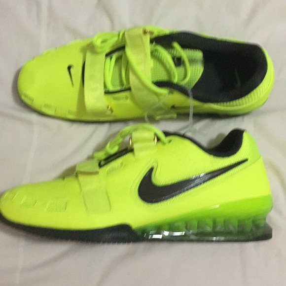 NEW Nike Romaleos II 2 Mens Power Lifting Volt 5857d7ed7e45